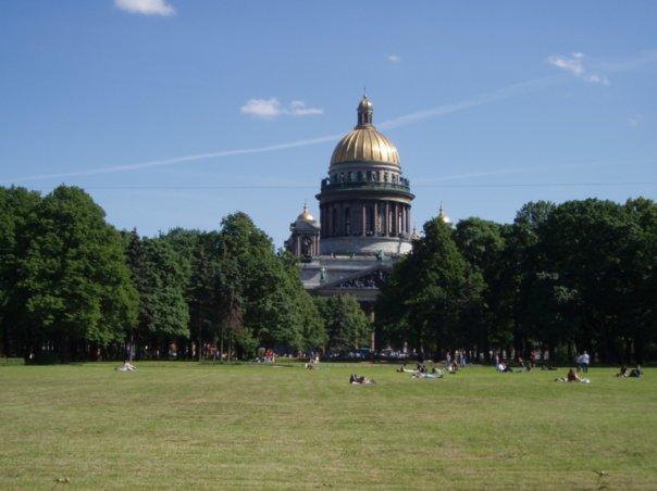 Прекрасный вид на Исаакиевский собор в Санкт-Петербурге.jpg