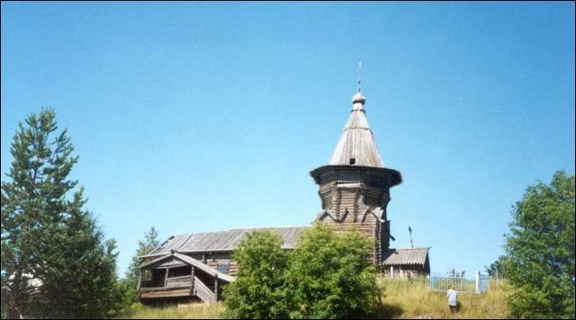 Старая церковь на острове Лычный