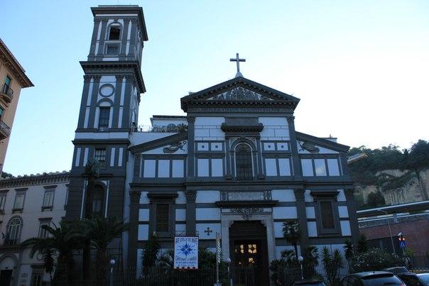 Церковь Марии Педигрота, Неаполь.jpg