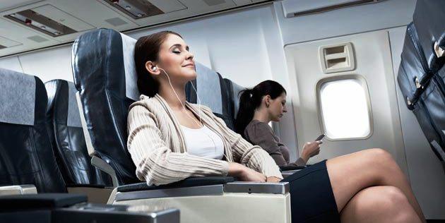 «Аэрофлот» разрешил пользоваться телефонами при взлете и посадке.jpg