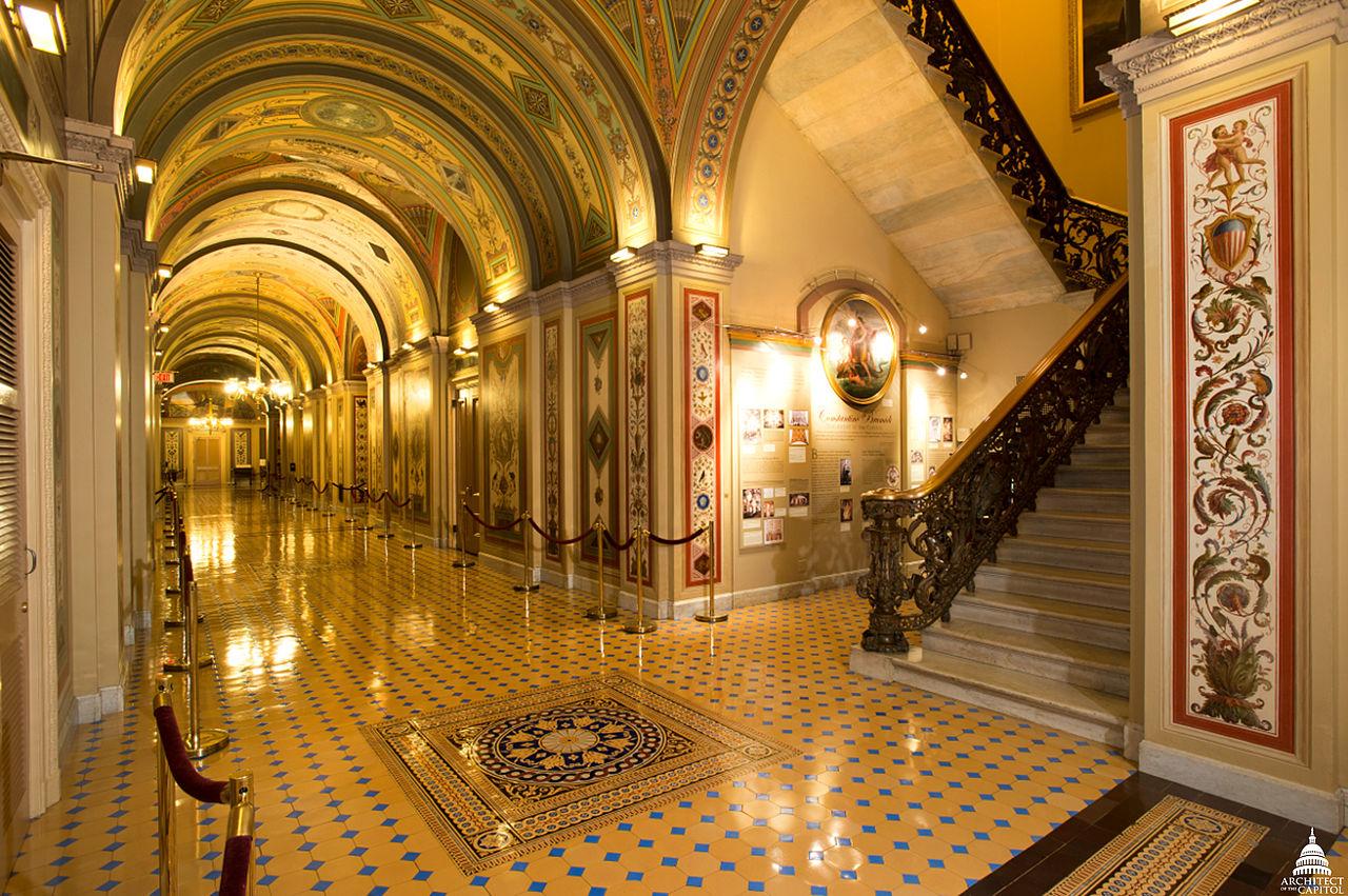 Капитолий в Вашингтоне, коридоры Брумиди