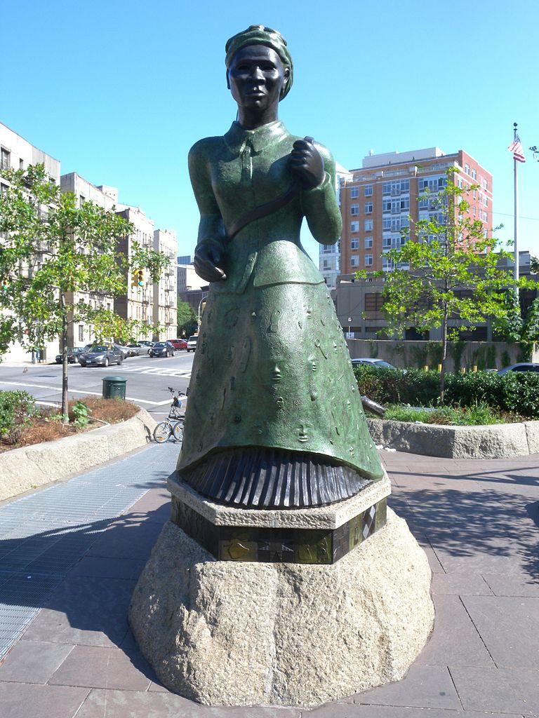 Гарлем, памятник Гарриет Табмен