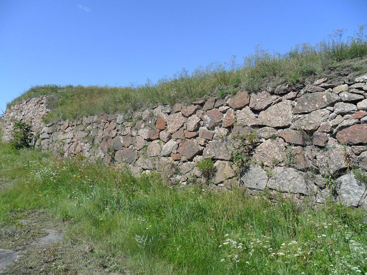 Стена Анненских укреплений, Выборг