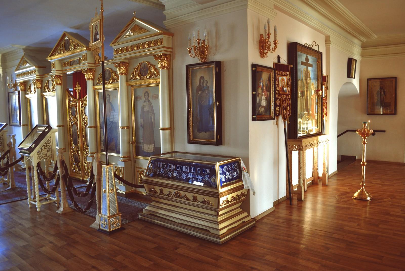 Казанский Богородицкий монастырь, интерьер