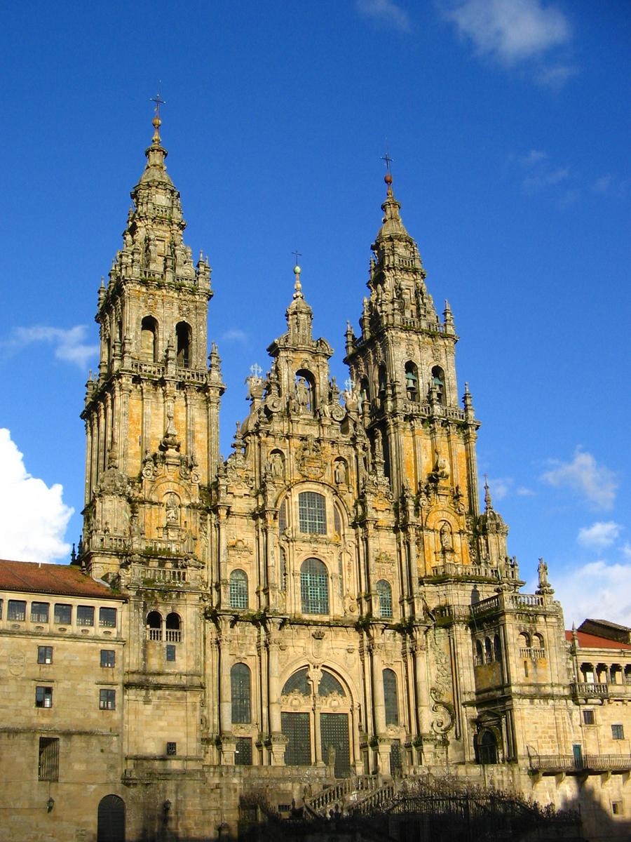 Башни фасада собор Сантьяго-де-Компостела