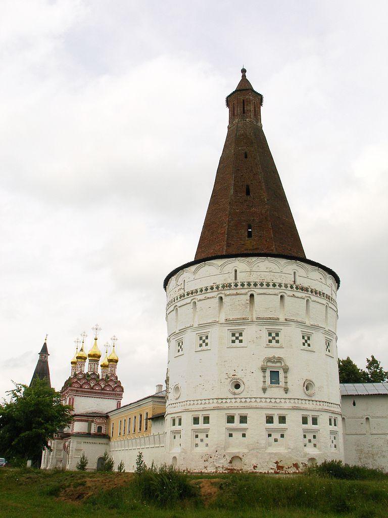 Иосифо-Волоколамский монастырь, Воскресенская башня.