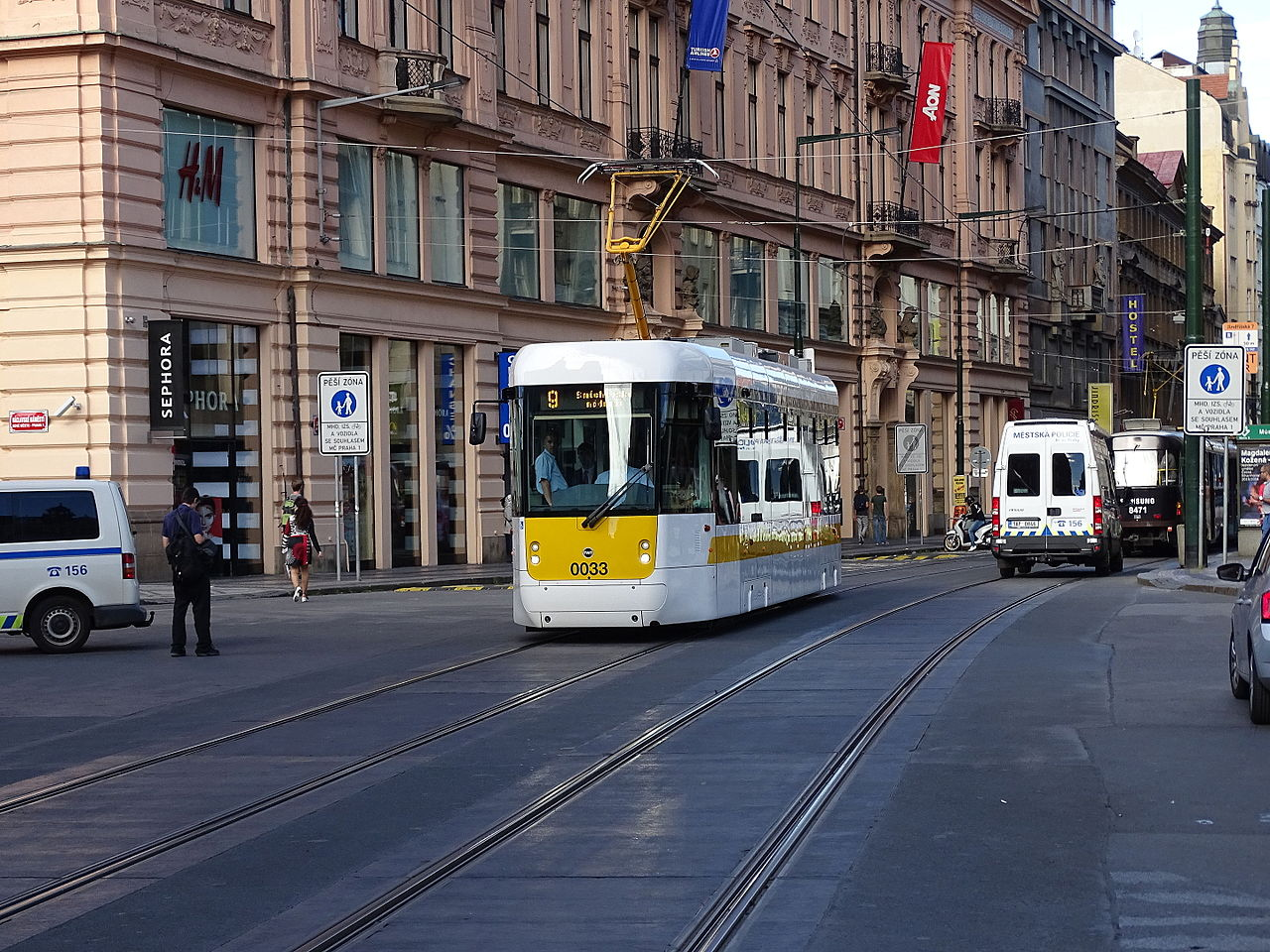 Вацлавская площадь, трамвай