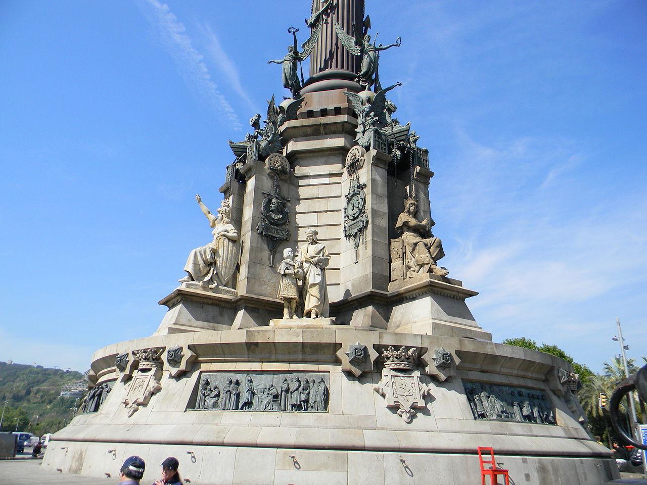 Монумент Колумбу в Барселоне, пьедестал