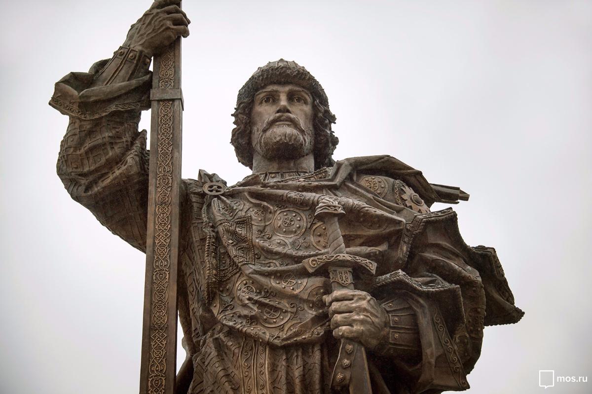 Памятник Владимиру Великому в Москве