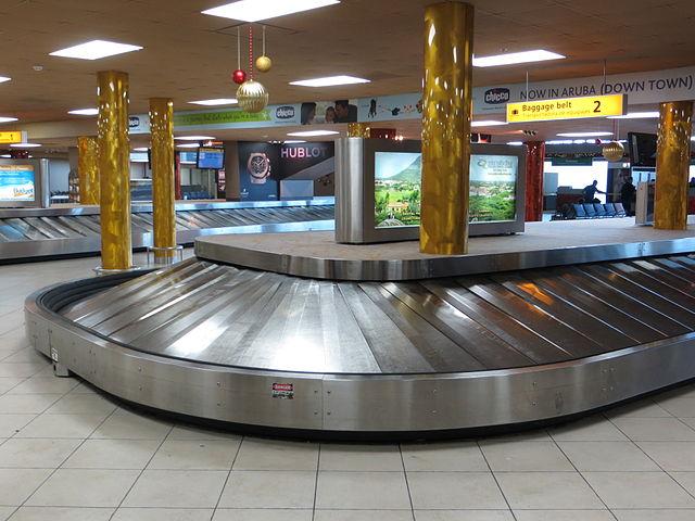AUA baggage claim.JPG