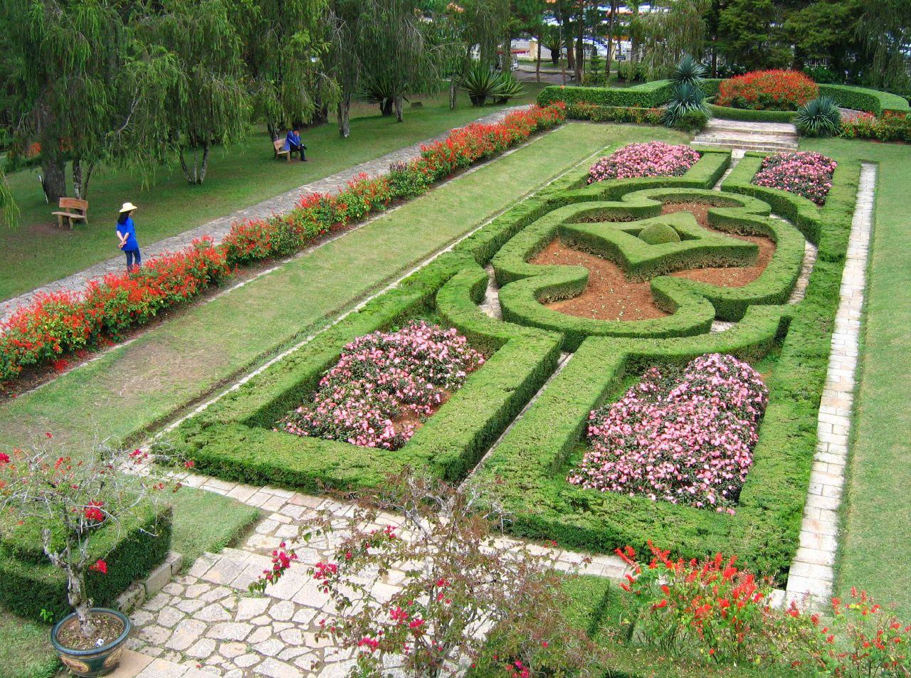 Виллы Бао Дая, французский парк