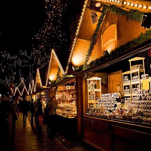 Рождественский базар в Италии.jpg