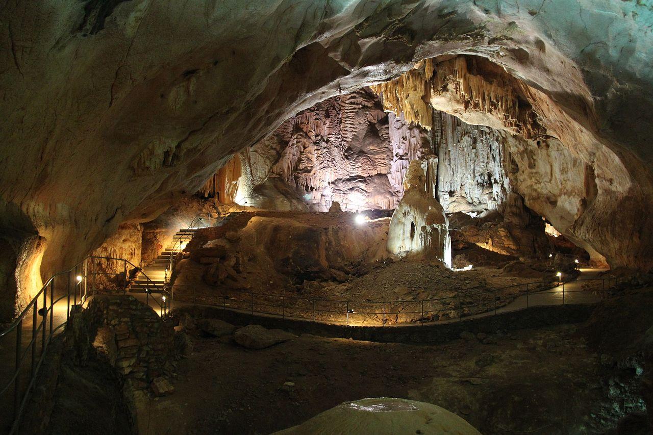 Кечкемет - самый большой зал в пещере Эмине-Баир-Хосар