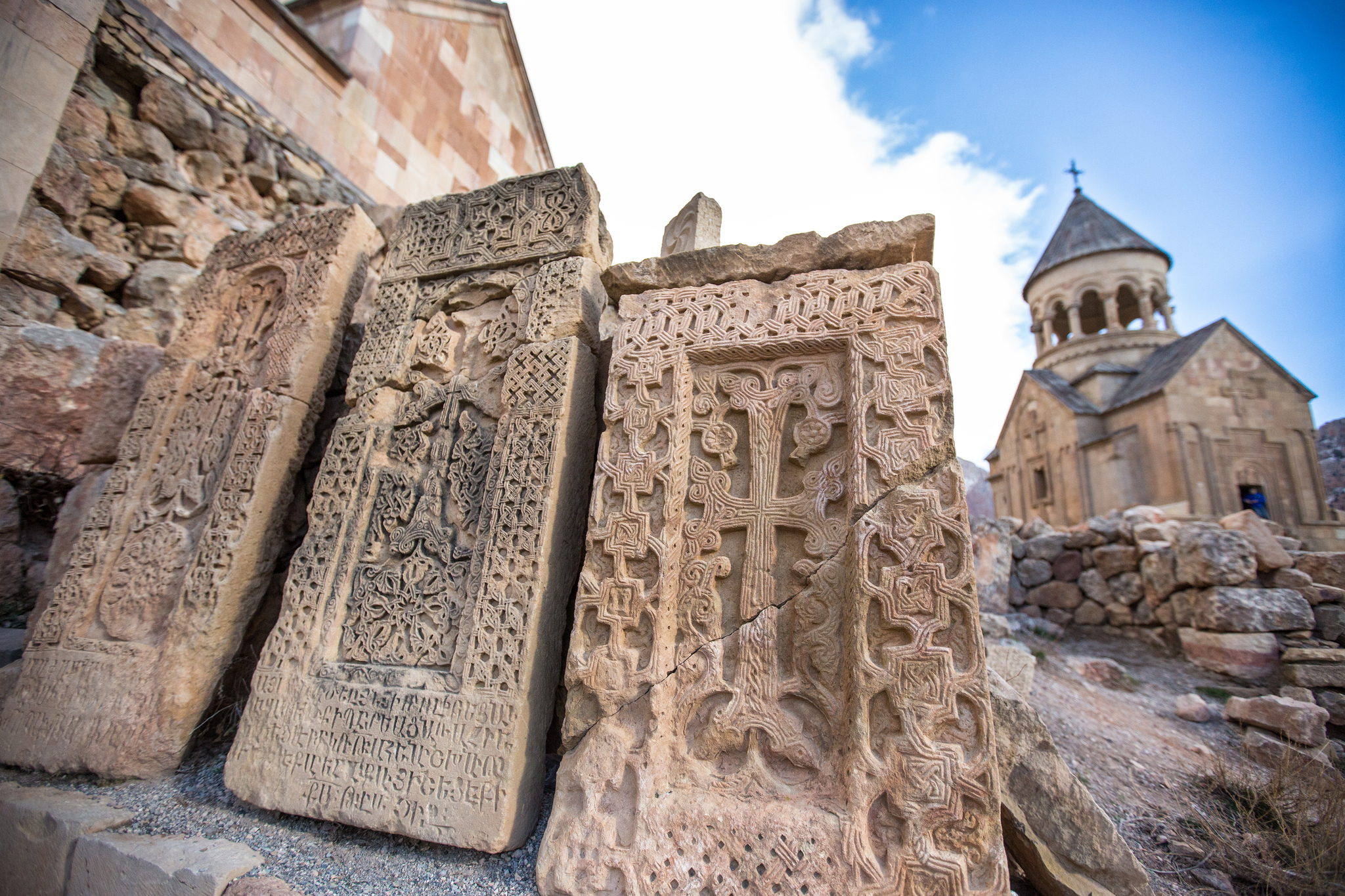 Монастырский комплекс Нораванк, хачкары