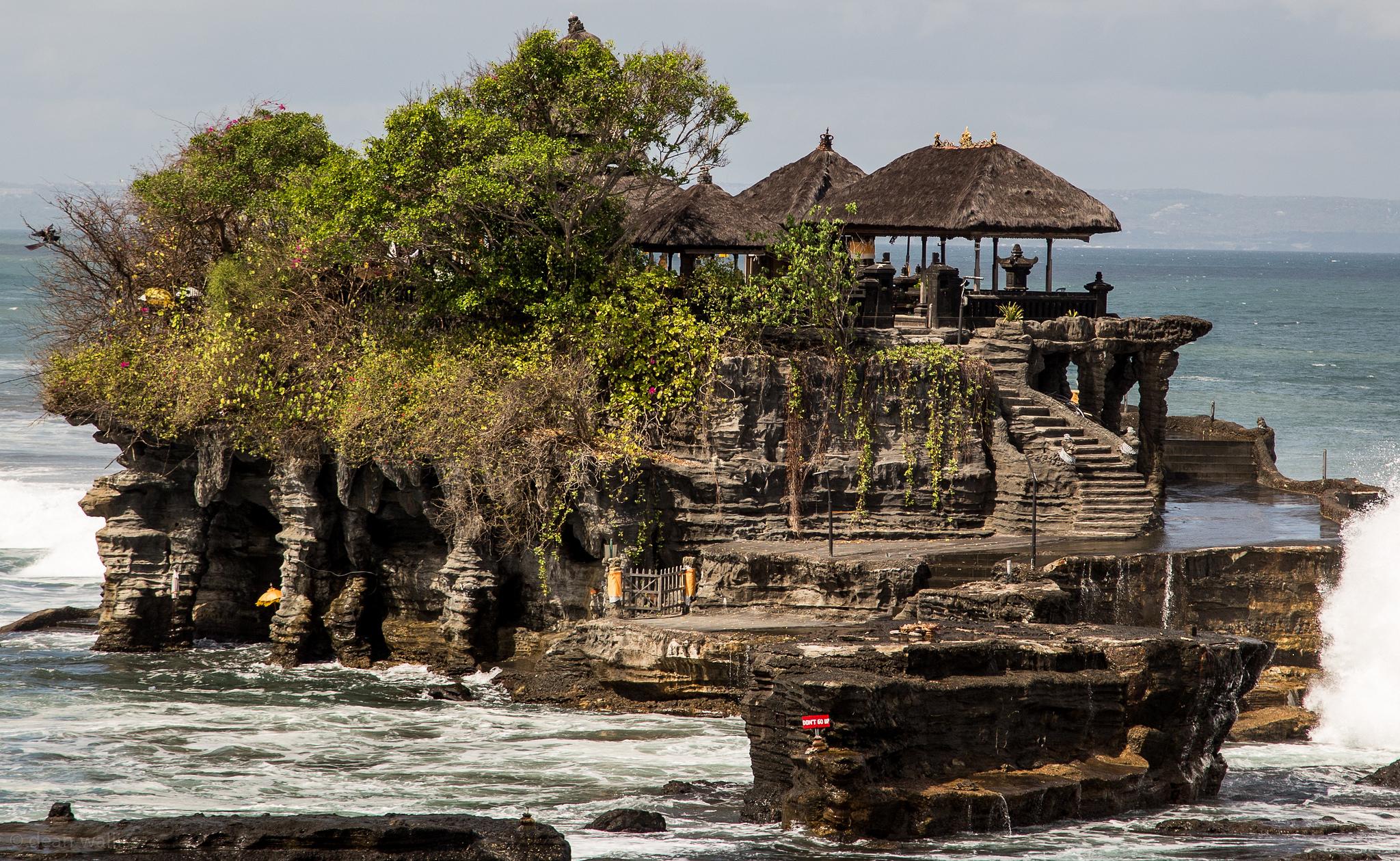Пура Танах Лот, храм острова Бали