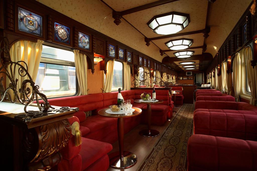 Транссибирский экспресс «Золотой Орел», вагон-бар