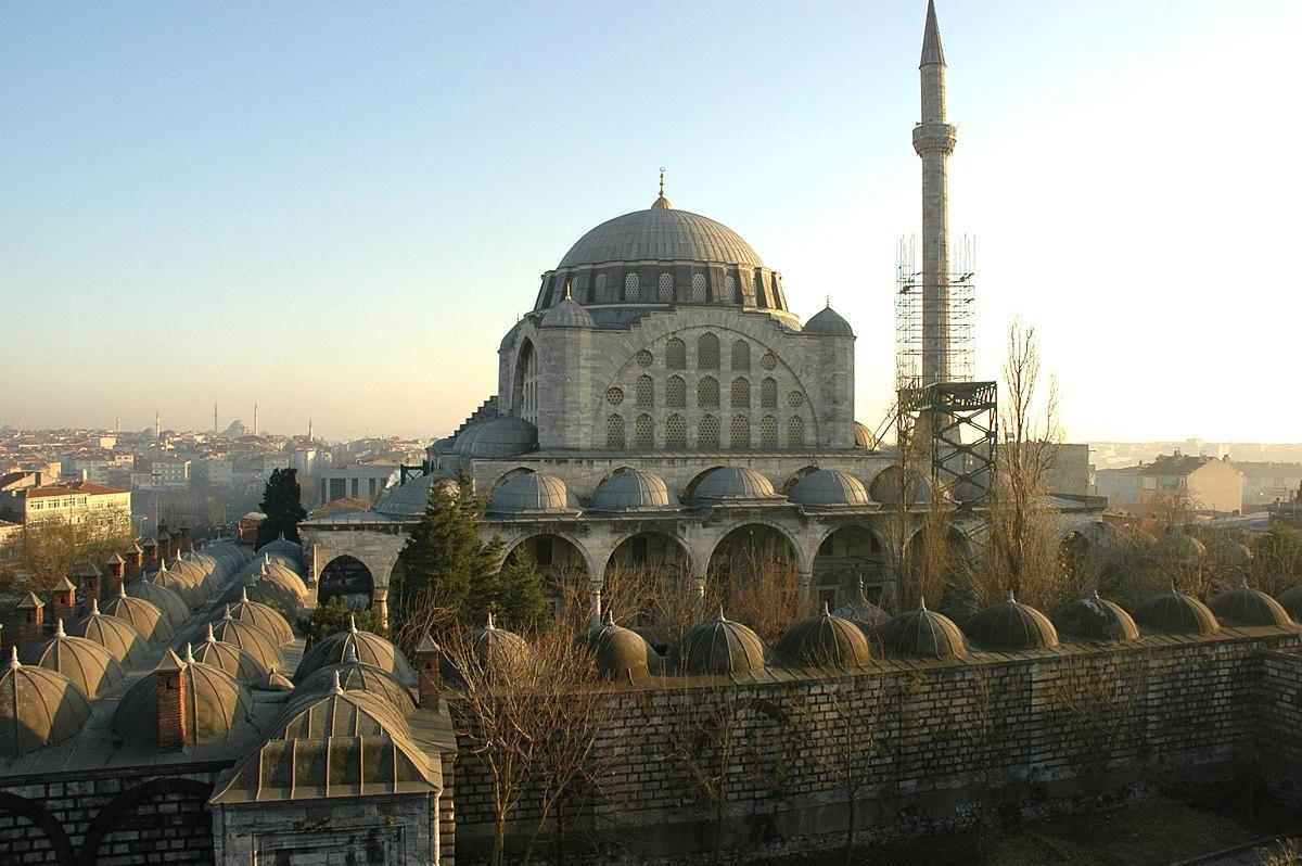 Мечеть Михримах султан Эдирнекапы в Стамбуле, история строительства архитектура фото