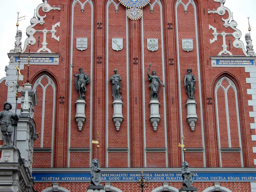 Дом Черноголовых, фасад