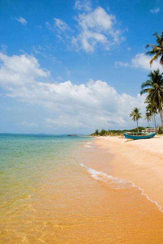 Уединенный пляж, Вьетнам.jpg