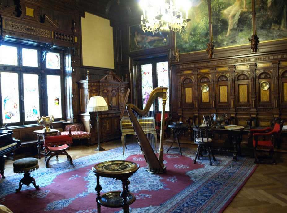 Дворец Пелеш, музыкальный зал