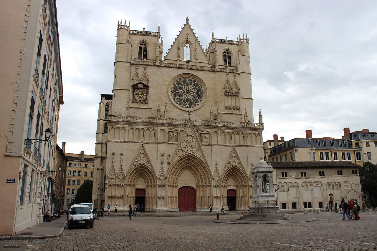 Лионский собор Сен-Жан, западный фасад