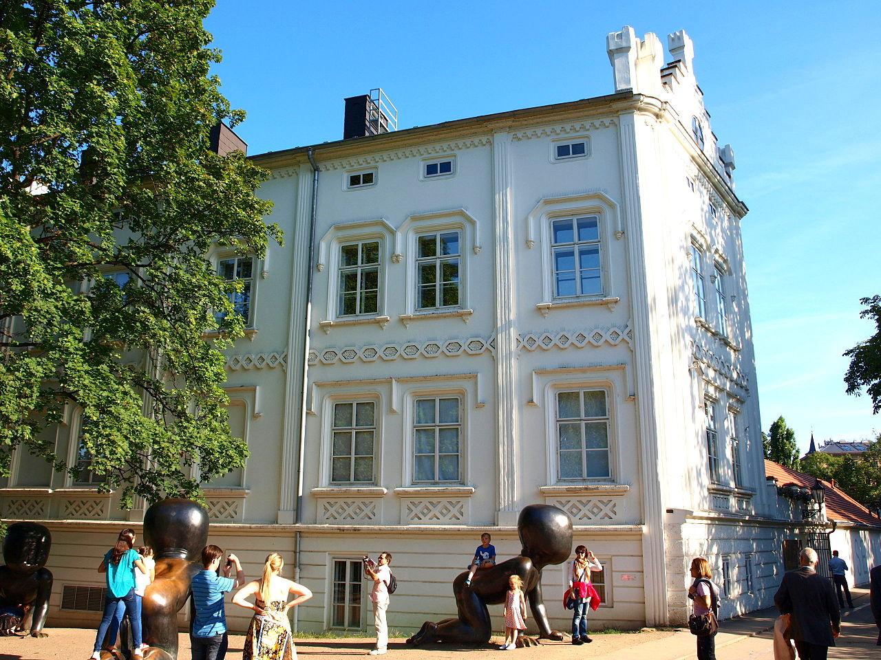 Музей Кампа, фасад