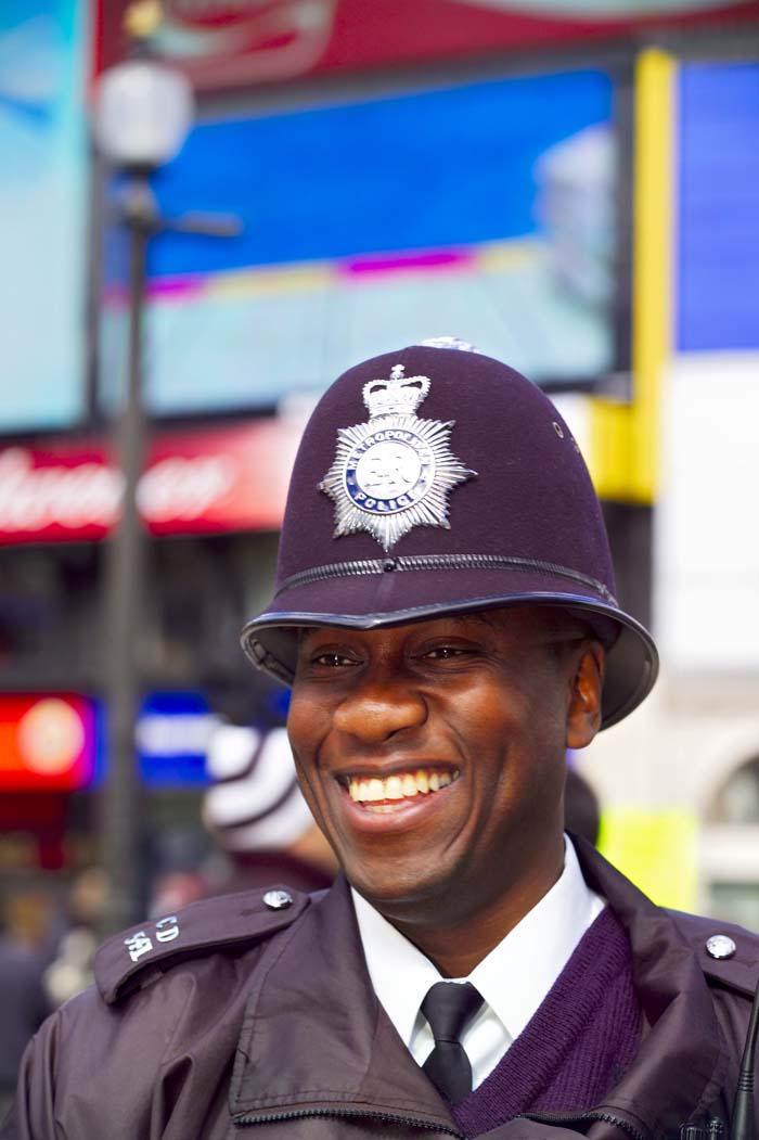 Полицейский на Пикадилли, Лондон, Великобритания