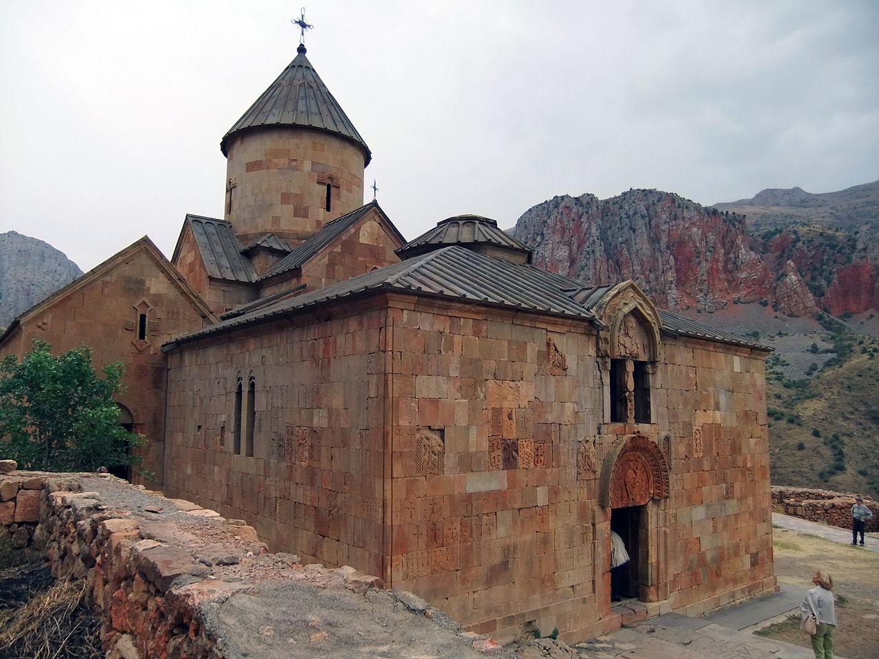 Монастырский комплекс Нораванк, церковь Сурб Карапет