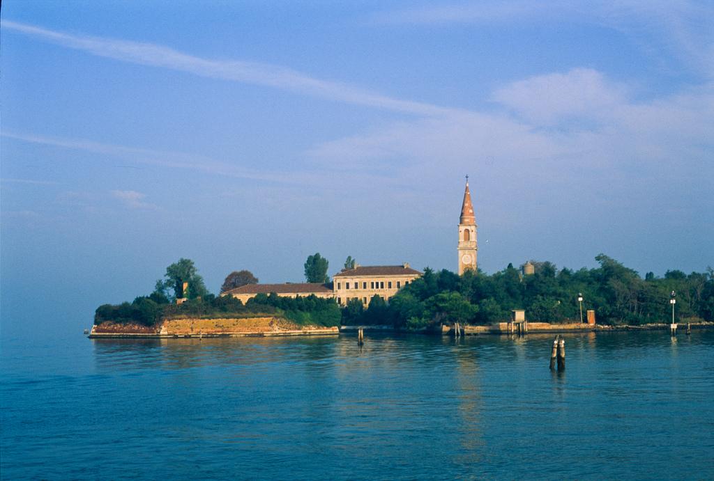 Остров Повелья, Венеция