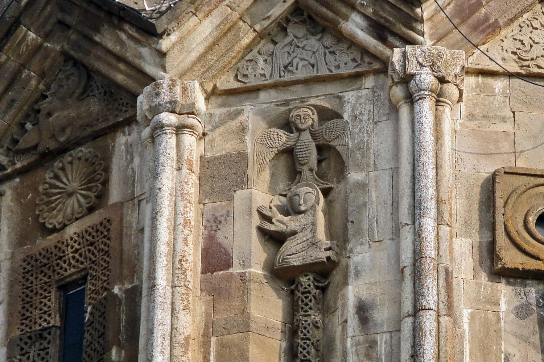 Гандзасарский монастырь, фрагмент башни