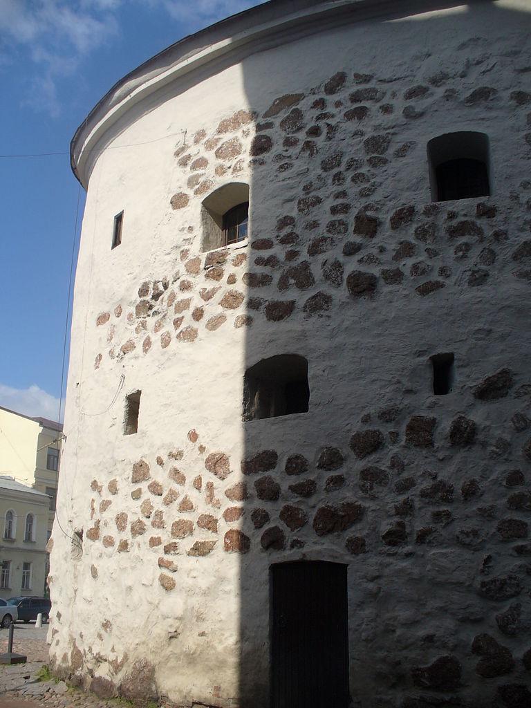 Круглая башня в Выборге, стена