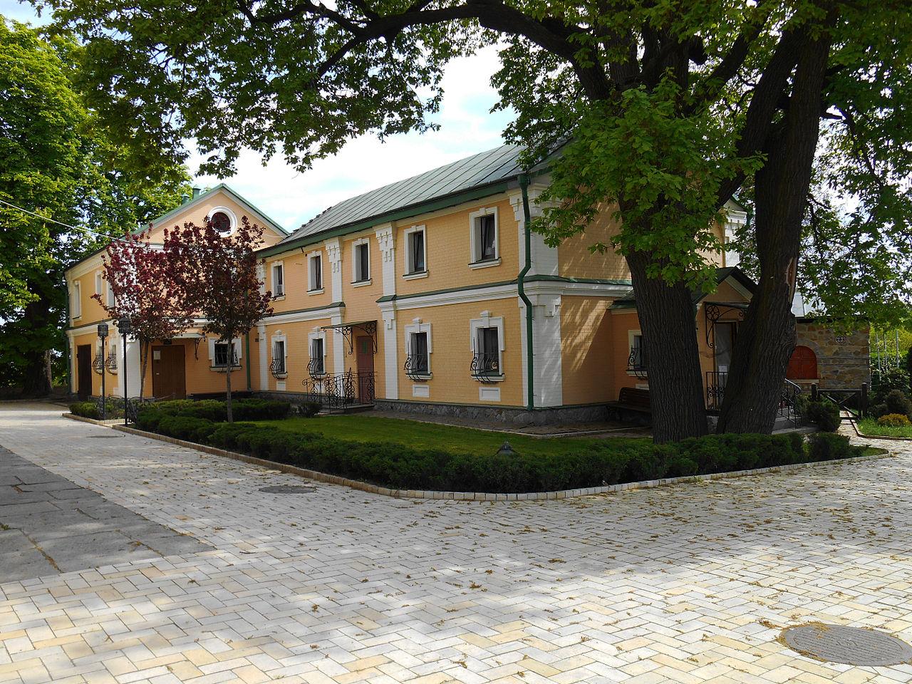 Свято-Троицкий Ионинский монастырь, двор