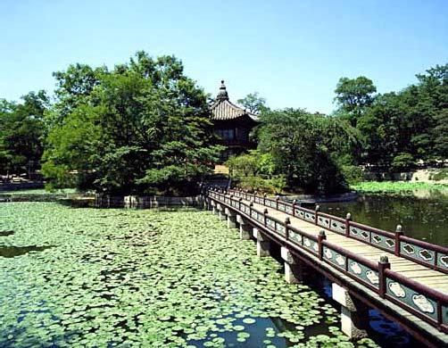 Хянвончжон во Дворце Кёнбоккун в Сеуле