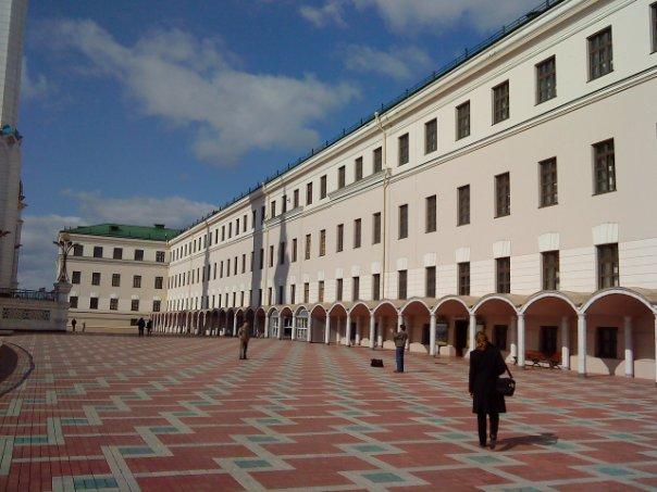 За стенами казанского кремля