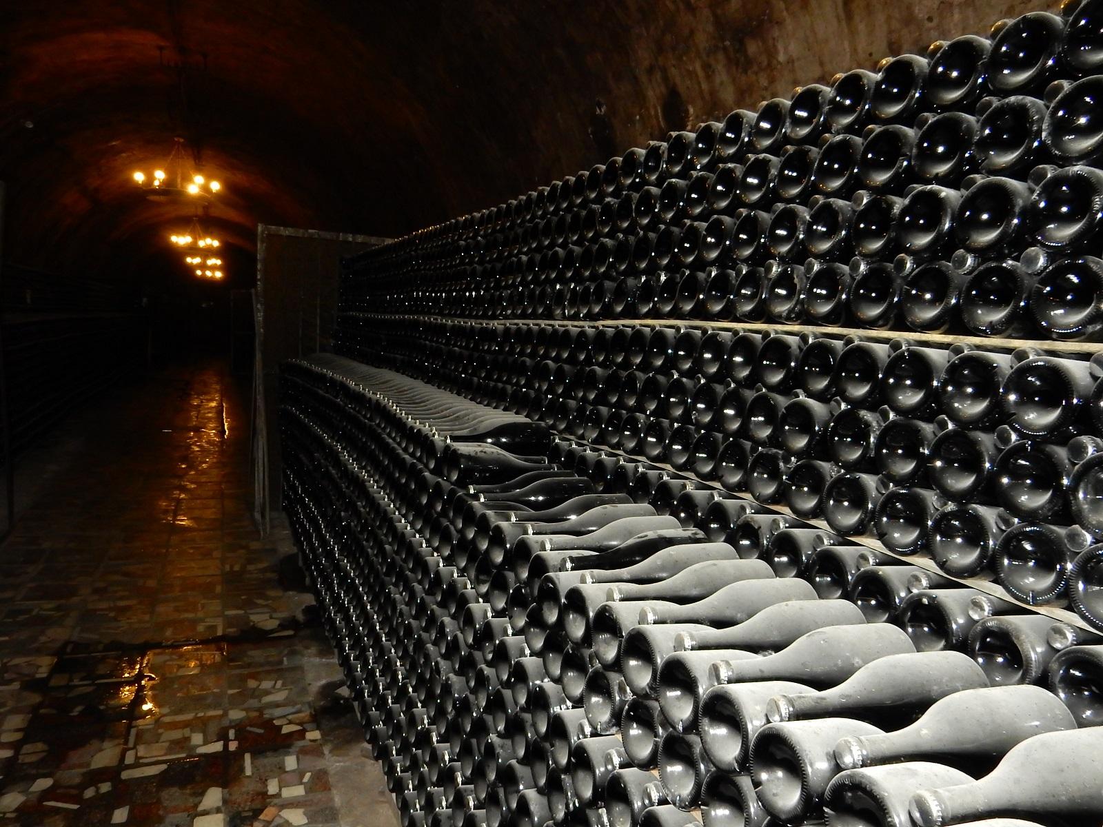 Тёмные коридоры Завода шампанских вин Абрау-Дюрсо