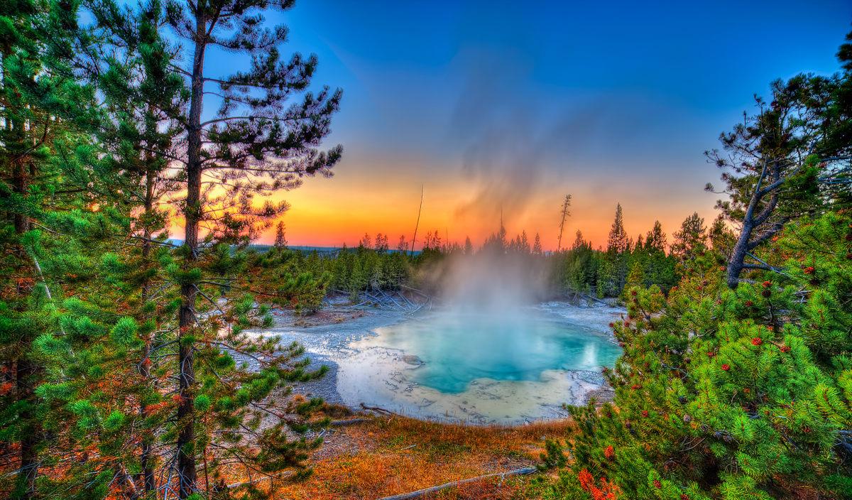 Гейзеры Йеллоустоунского национального парка