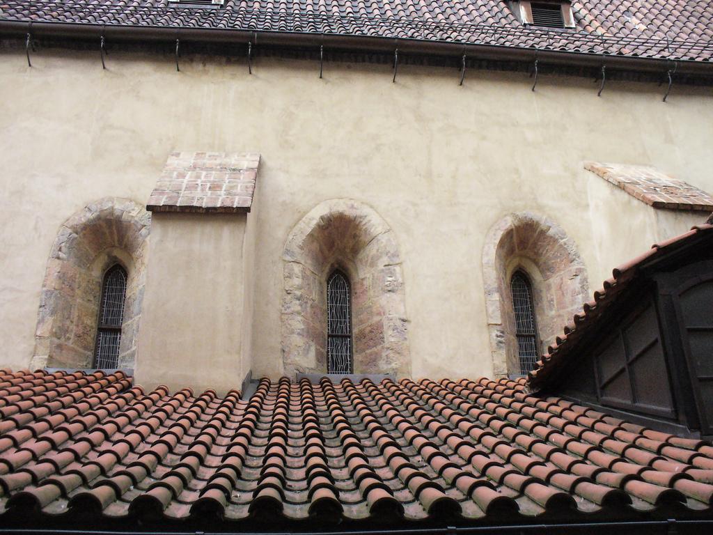 Окна Староновой синагоги