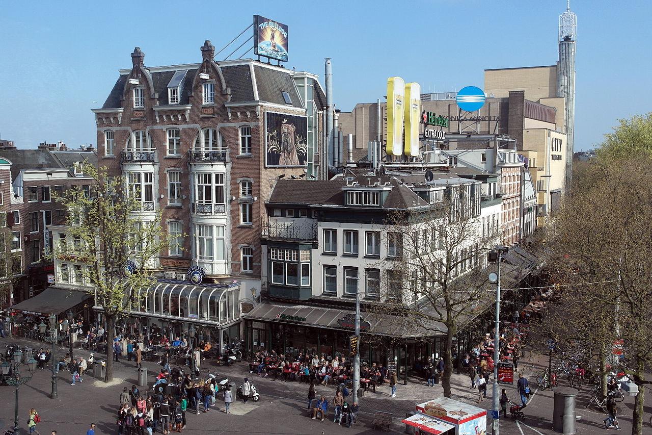 Площадь Лейдсеплейн, городской театр Амстердама