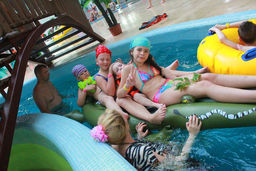 Маленькие гости аквапарка «Тропический остров» в Ярославле