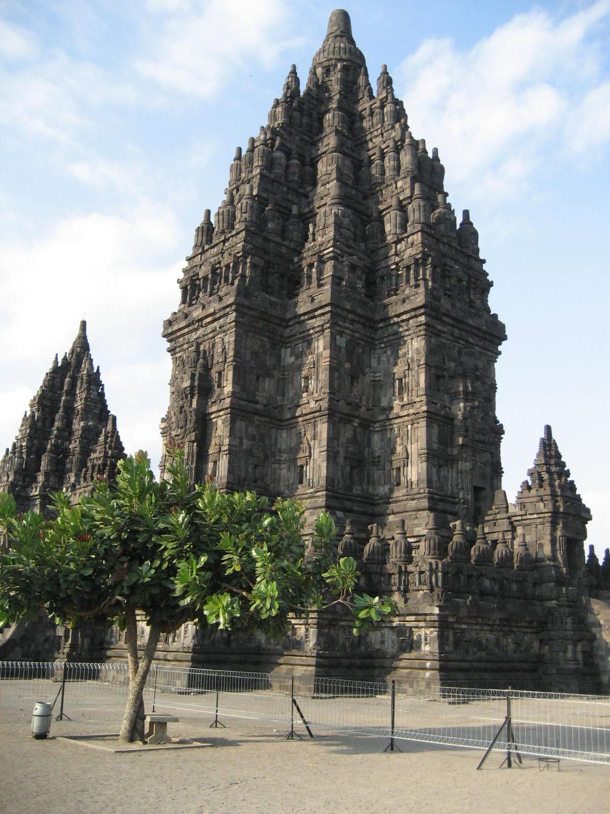 Прамбанан; храм, посвященный Шиве
