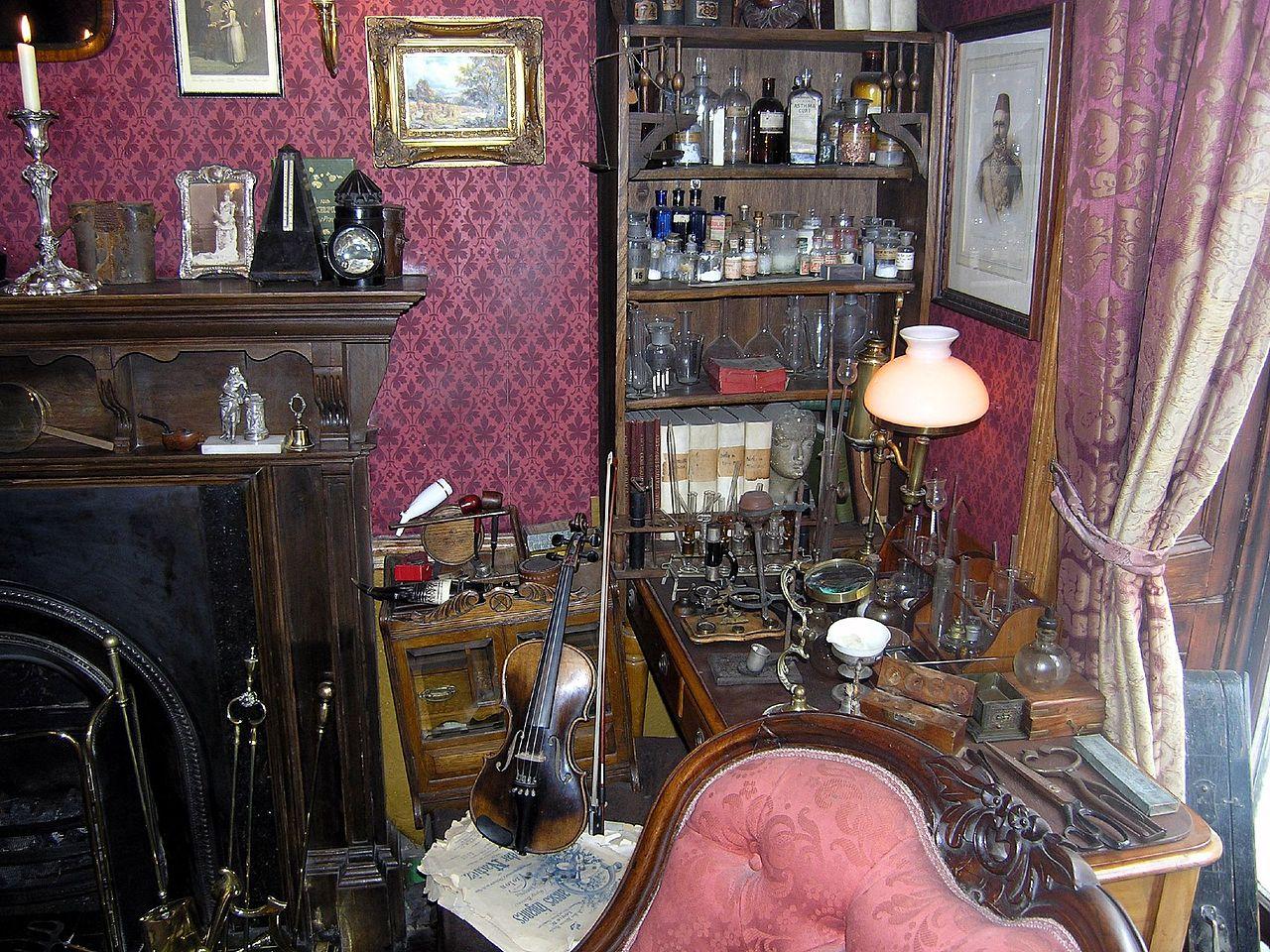 Музей Шерлока Холмса в Лондоне, скрикпа и камин