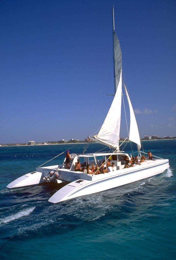 Прогулка на яхте, Аруба.jpg