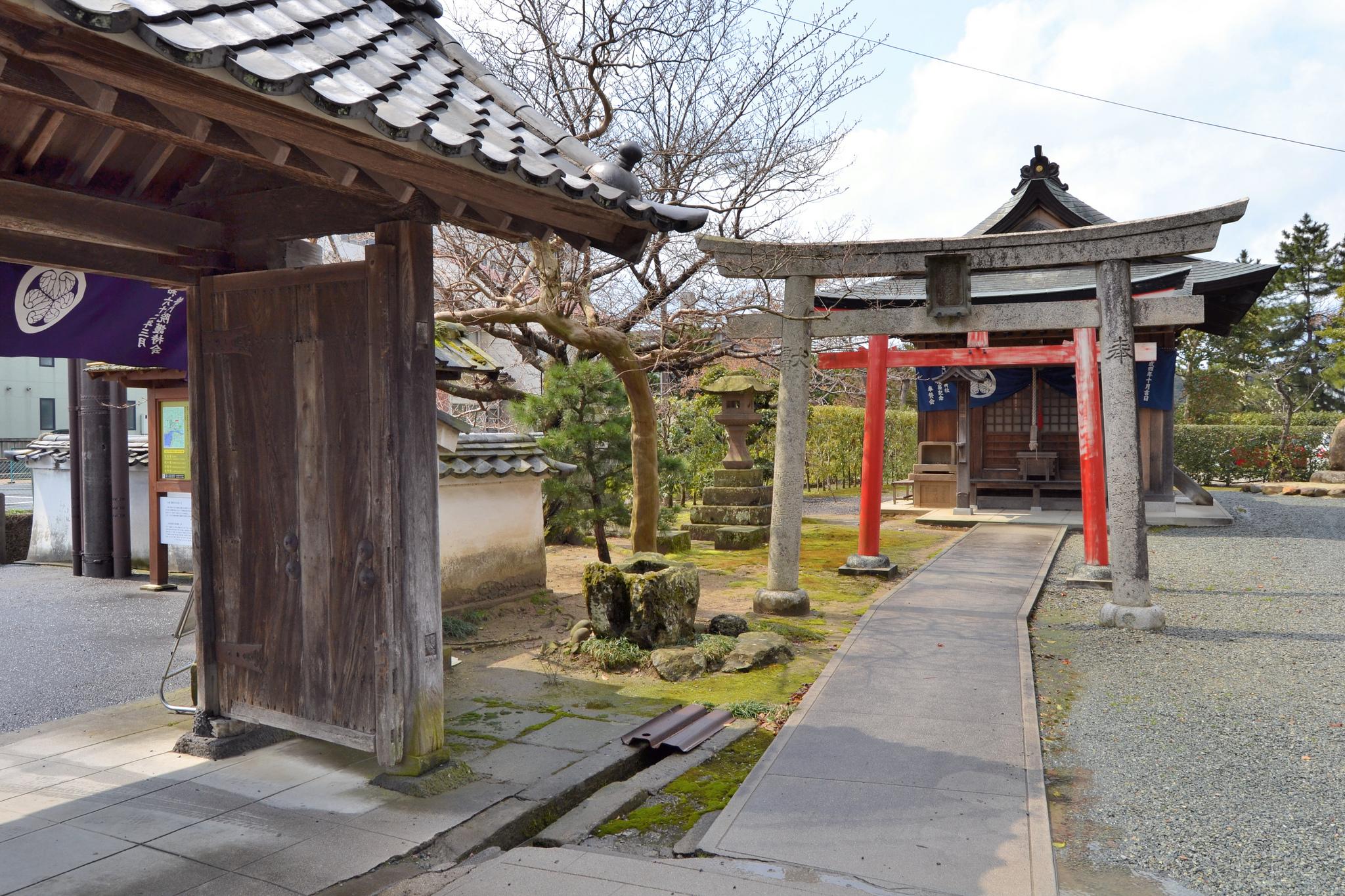 Во дворе замка Мацуэ