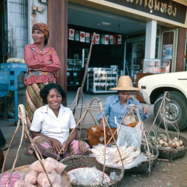 20 завораживающих фото, рассказывающих о жизни Таиланда в 70 F.jpg