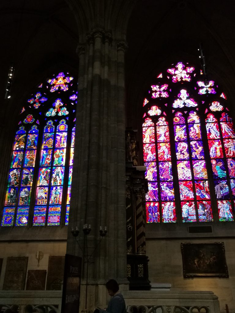 Витражные окна Собора Святого Вита в Праге