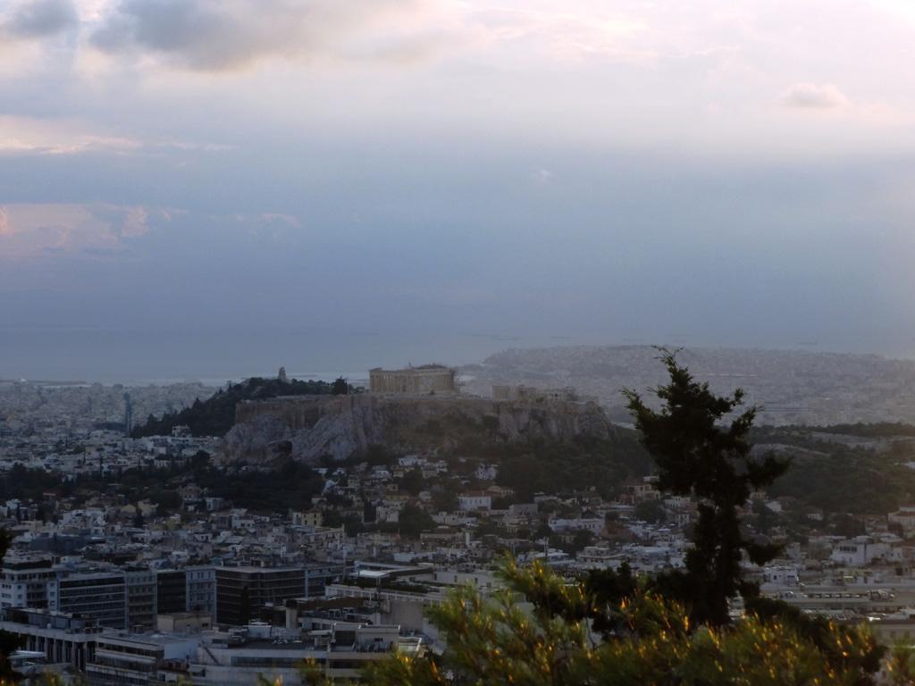 Холм Акрополя с Парфеноном и виды Афин