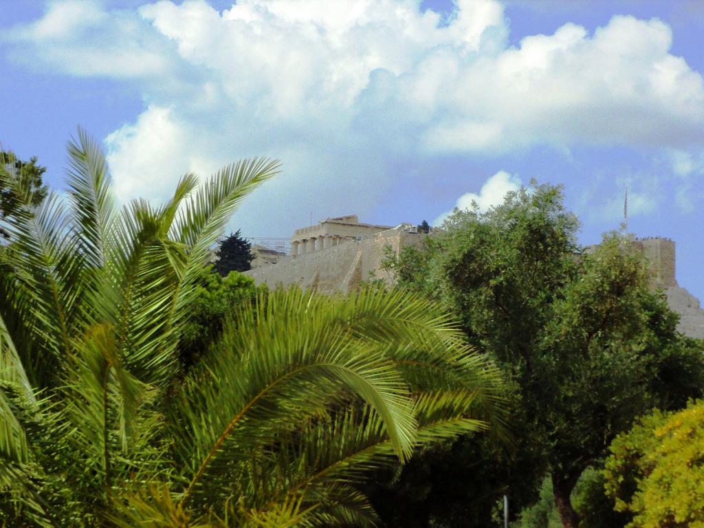 На подъезде к Парфенону, Афины