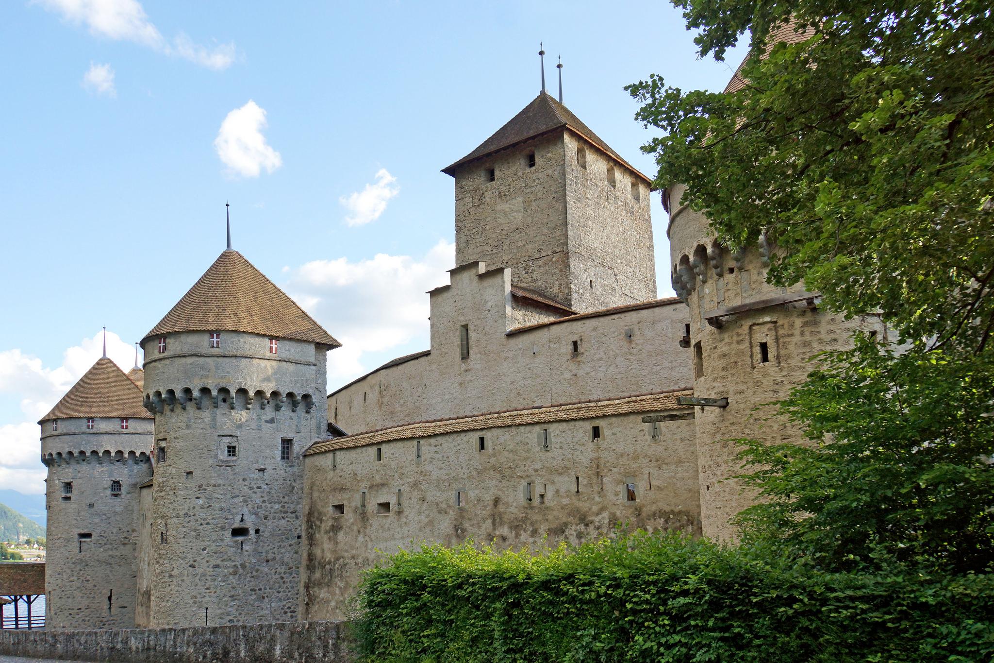 Стены Шильонского замка, Женевское озеро