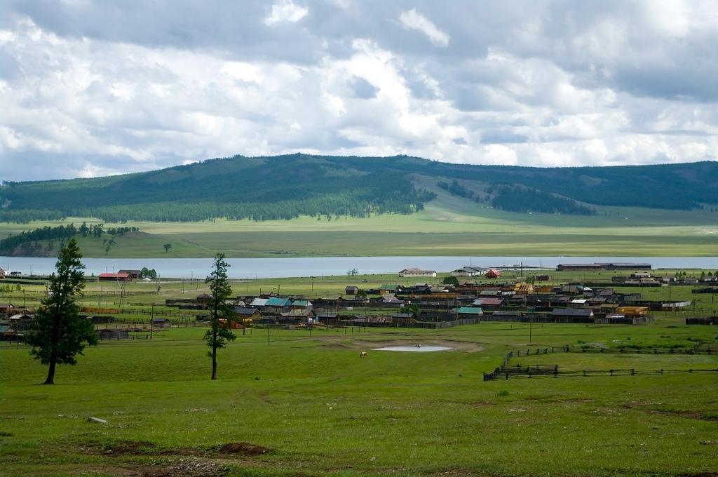 Озеро Хубсугул, поселок