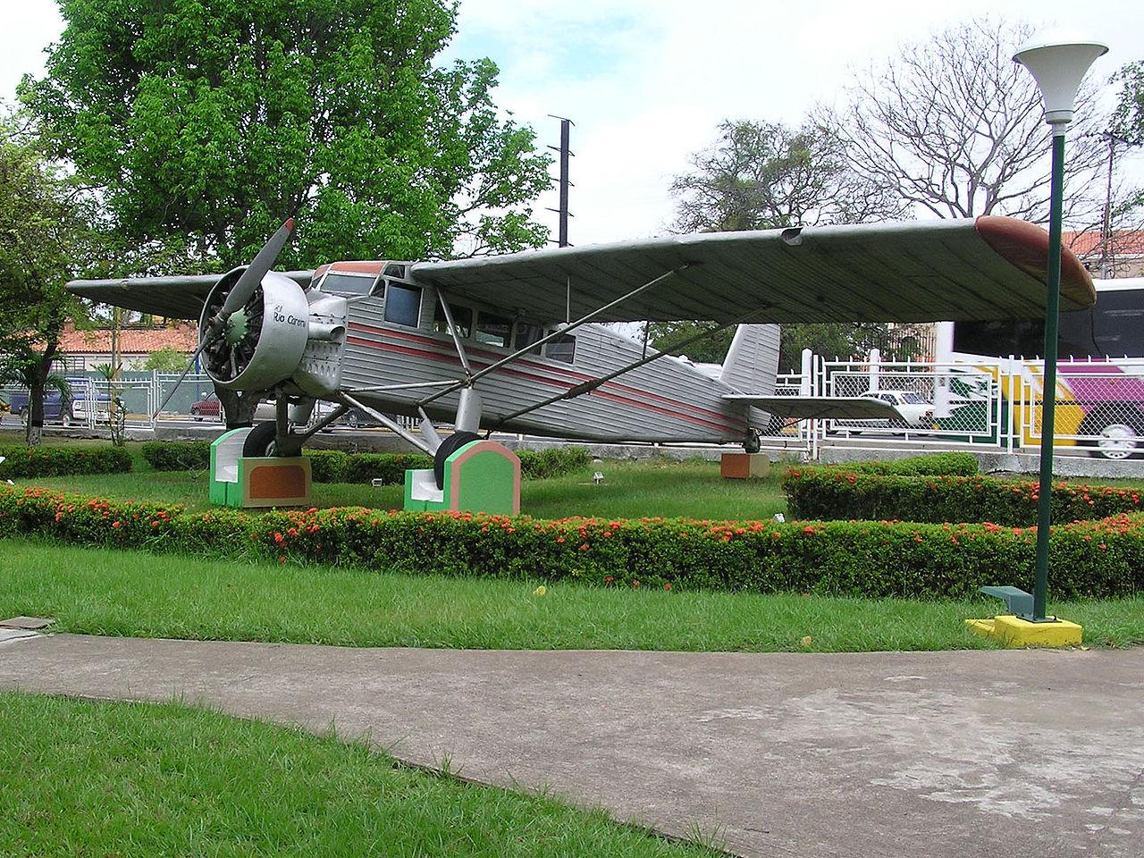 Самолёт, на котором Джеймс Эйнджел достиг водопада Анхель